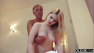 Nymphomaniac sucks grandpa cock and has lovemaking with him in her bedroom