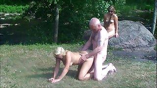 Ulf Larsen & teen whores in public park & beach