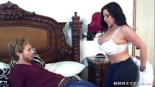 Brazzers - Mummy Sheridan Love sucks cock