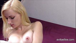 Fuckmachine Evita Elise