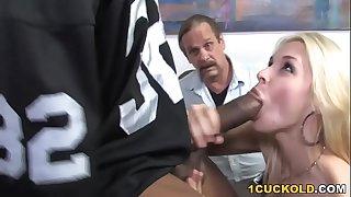 Sarah Vandella Interracial Sex - Cuckold Sessions