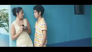 Jovencito de 18 años se folla a su tía en su cuarto mientras no hay nadie en casa - Película completa en HD aqui: https://ouo.io/pvLvWj