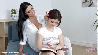Passionate sapphic hook-up with Kyra Queen and Veronica Moore on Sapphic Erotica